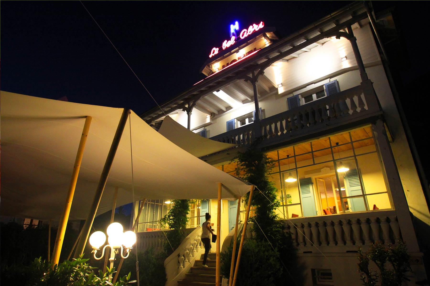 Bar Le Bel Abri Hôtel Restaurant Au Bord Du Lac D